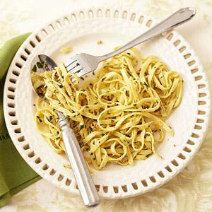 Linguine With Walnut-Sage Pesto