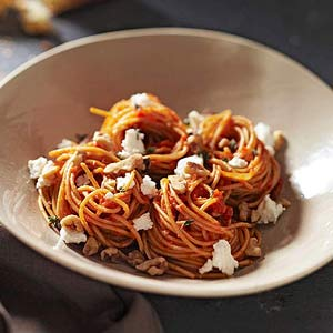 Spaghetti With Roasted Red Peppers, Walnuts and Goat Cheese
