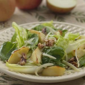 Roasted Apple & Cheddar Salad