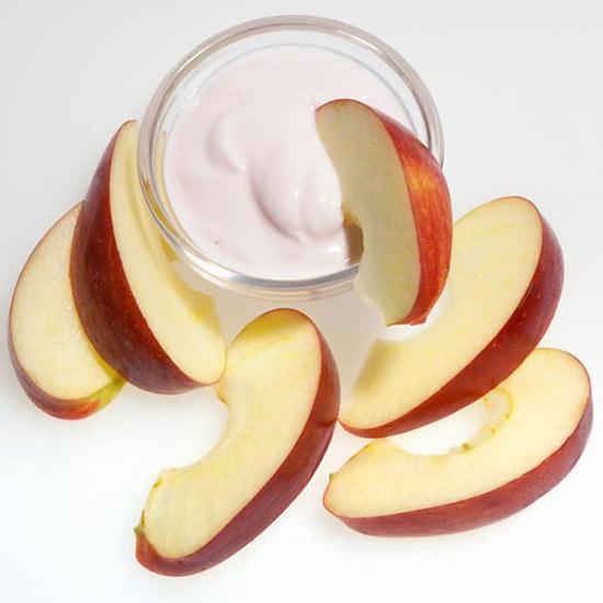 Apples with Maple-Cinnamon Yogurt