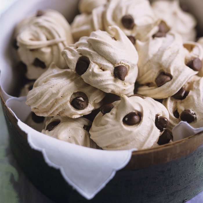 Peppermint-Chocolate Chip Meringues