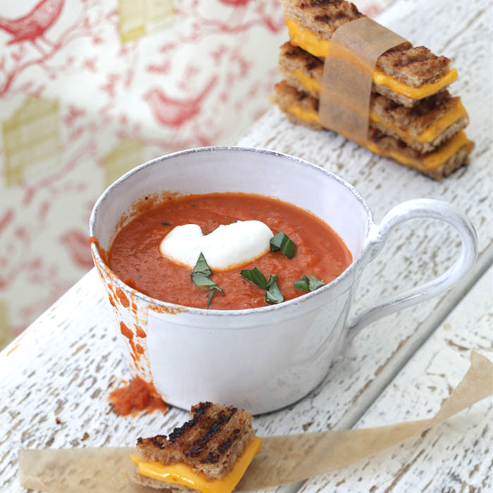 Creamy Tomato Soup and Mini Grilled Cheese Bites