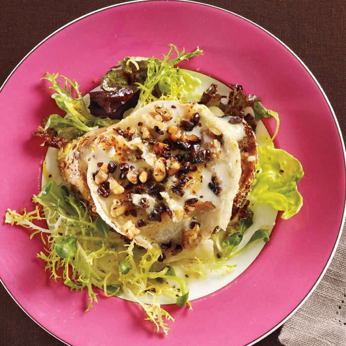 Salad with Toasted Bucherondin Cheese and Chocolate