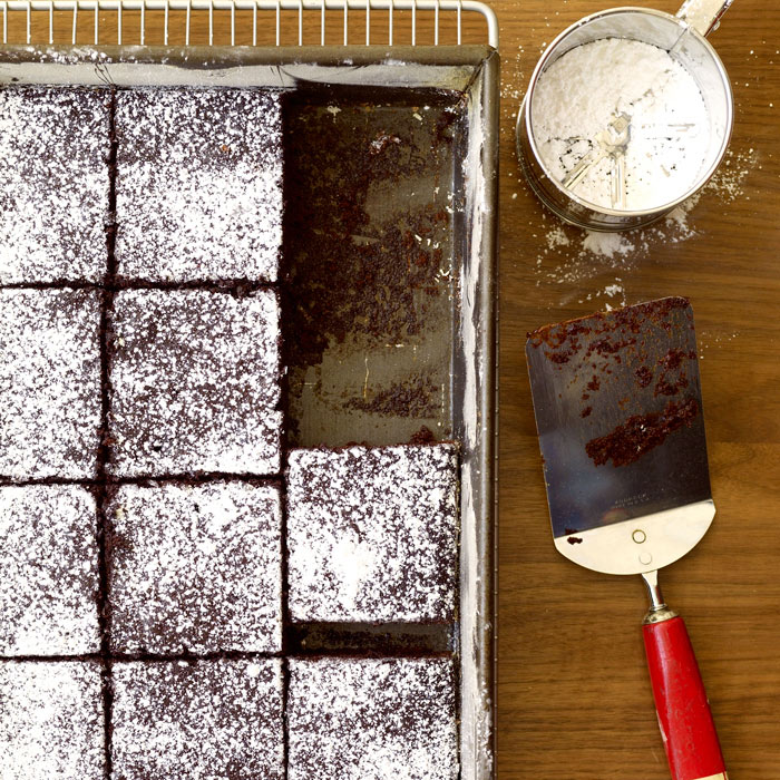 Easy and Delicious Chocolate Sheet Cake