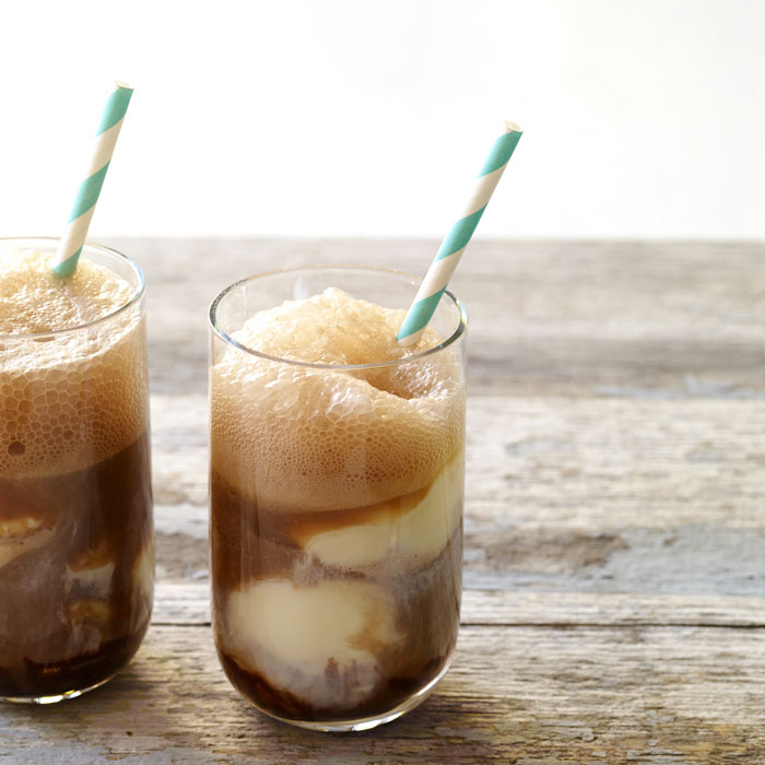 Refreshing Chocolate Root Beer Floats