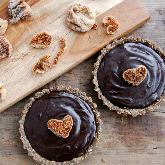 Chocolate Fig Ganache Cake