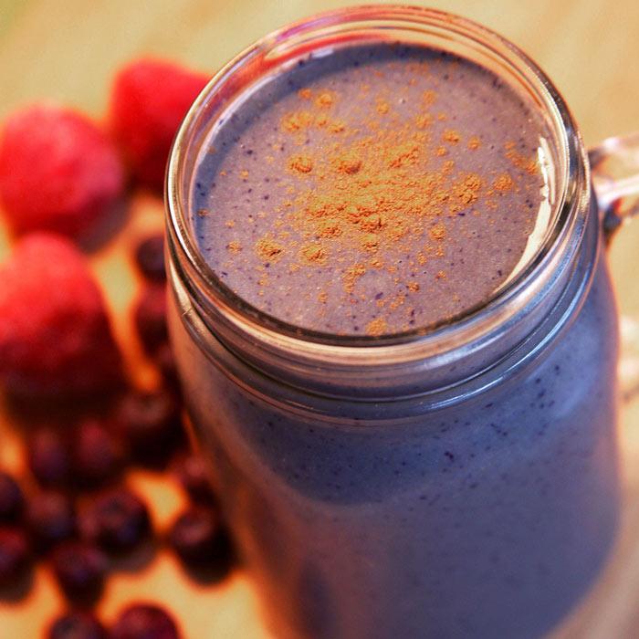 Low-Sugar Berry Smoothie