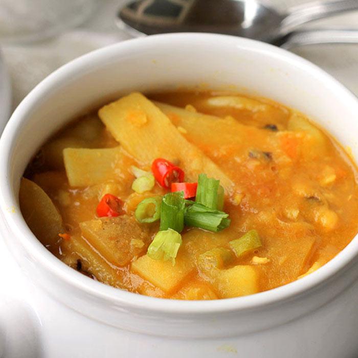 Nepali Curry Stew (Aloo Bodi Tama)